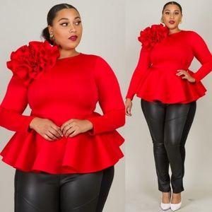 LONG SLEEVE WITH BIG FLOWER DETAIL PEPLUM STYLE TO